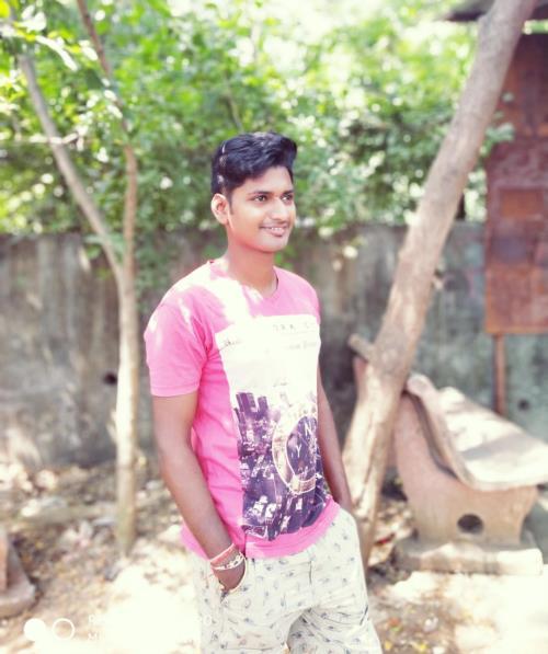 जिन्दगी मे सबसे बडा घनवान इंसान वो होता हे, जो दुसारो को अपनी SMILE देकार, उसका दिल जीत लेता हे,
